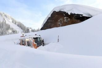 Trei schiori au murit şi un al patrulea a dispărut după o avalanşă. În ce staţiune erau