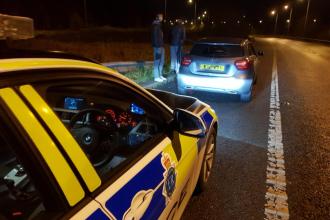 """Un șofer prins conducând cu 192 km/h le-a spus polițiștilor că """"avea poftă de kebab"""""""