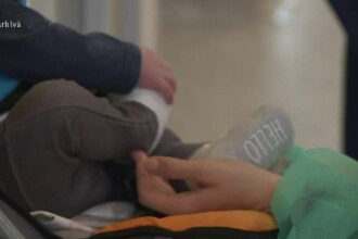 Bebeluşul născut cu o malformaţie la inimă, operat de urgenţă. De ce se tem medicii