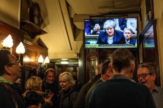 """Theresa May, """"trădată"""" de 118 parlamentari din propriul partid. Ce urmează pentru Guvern"""