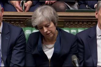 Ce spun analiștii politici despre Theresa May, după ce Parlamentul a respins acordul