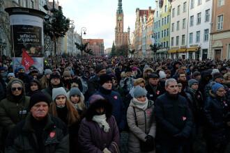 45.000 de oameni la funeraliile primarului asasinat. Imagini impresionante