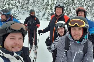 Klaus Iohannis, selfie cu schiori, în Munții Șureanu