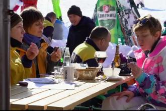 Folosirea vaselor din plastic, interzisă într-o stațiune de schi populară în Bulgaria