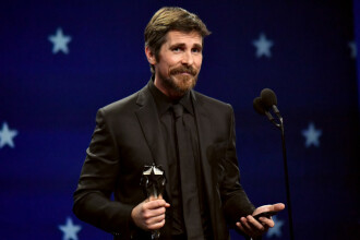 Christian Bale renunţă la modificările corporale severe: