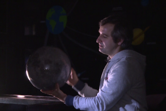 """Explicația astronomilor pentru fenomenul """"super Luna sângerie"""""""