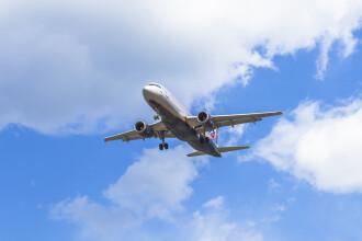 Momentul în care un pasager e arestat, după ce a cerut devierea unui zbor către Afgaistan
