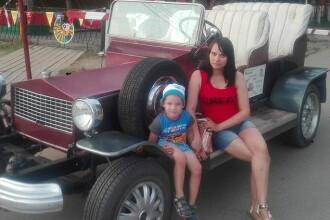 Femeie înjunghiată de soțul gelos, de față cu băiatul lor de 4 ani