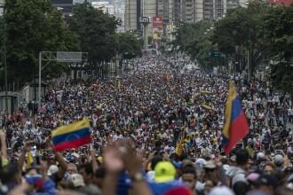Venezuela: haos, violențe și 2 președinți. Taberele formate pro și contra Maduro