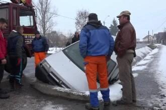 Cele 2 mari greșeli pe care le fac șoferii atunci când mașina derapează