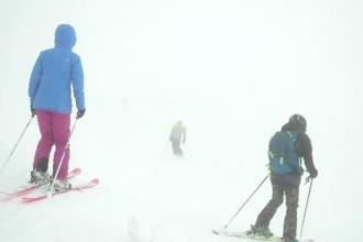 Pericol de avalanșe la munte. Pârtiile de schi din Bucegi au fost închise