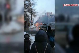 O mașină a luat foc în mers, la Iași. Ce a povestit șoferul