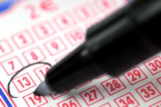 O femeie a câștigat 60 de milioane de dolari la LOTO cu numerele visate de soțul său acum 20 de ani
