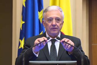 Decizia luată de parlamentarii puterii după ce Isărescu nu s-a prezentat la audieri