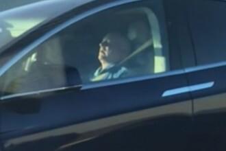 Șofer de Tesla surprins dormind la volan. Reacția celorlalți participanți la trafic