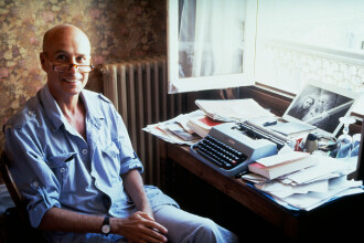 Scriitor francez anchetat pentru violarea unor minore, după dezvăluiri apărute într-o carte