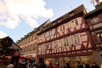 Cât îi costă pe români o afacere în Franța. Sumele colosale pe care le cheltuie pe imobiliare