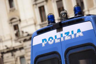 Un român cu 80 de maşini a fost reţinut în Italia. Ce au descoperit poliţiştii într-un autoturism
