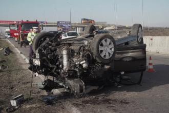 Mașină răsturnată pe DN1, în apropiere de Ploiești. Șoferul a refuzat să fie transportat la spital