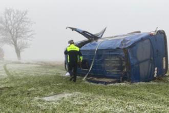 Accident grav în Constanța. Cel puțin 2 oameni au murit, după ce un microbuz s-a răsturnat