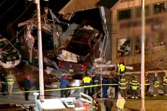 Accident violent în Statele Unite. O camionetă a intrat frontal într-o cafenea