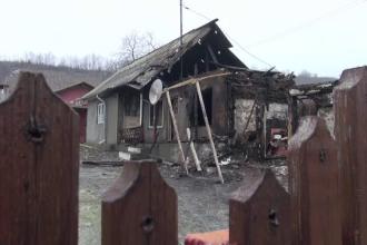 Un băcăuan și-ar fi incendiat casa, după ce a aflat că mai are doar câteva zile de trăit. Mărturiile vecinilor