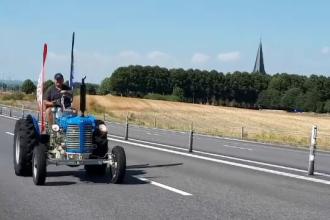 A făcut turul Europei într-un tractor vechi de 60 de ani, cu o viteză maximă de 36 km/h