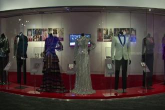 Muzeul Grammy. Ținutele spectaculoase purtate de vedete de-a lungul anilor