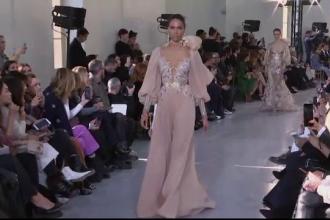 Ținute spectaculoase la Săptămâna Modei de la Paris. Rochia care a uimit publicul