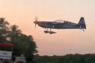 VIDEO. Un avion acrobatic s-a prăbușit peste spectatori la un spectacol aviatic. Sunt 3 morți