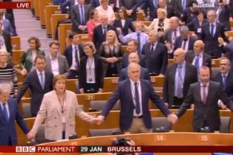 Imagini emoționante. Cum au sărbătorit britanicii ieșirea oficială din UE