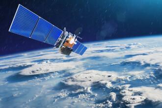 Doi sateliți riscă să se ciocnească pe orbita Pământului. Care ar fi urmările