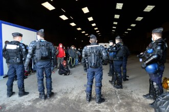 Petrecerea de Revelion cu 2.500 de persoane din Franța, oprită abia după două zile