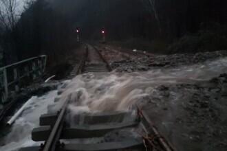 Inundațiile au făcut prăpăd în țară. Cum arată localitățile după ce au fost lovite de viituri. GALERIE FOTO