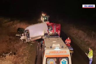 Accident grav în județul Arad. Trei bărbați au ajuns la spital, după ce autoturismele lor s-au ciocnit frontal