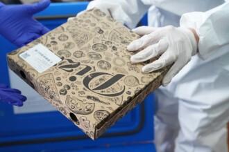 De ce a fost transportat vaccinul anti-COVID în cutii de pizza. Răspunsul oficial al autorităților