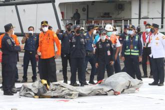 Cutiile negre ale avionului companiei Sriwijaya Air prăbuşit sâmbătă au fost localizate