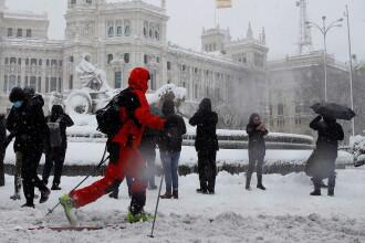 Furtuna Filomena a provocat patru decese în Spania. Localnicii au schiat prin Madrid