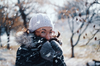 Vremea azi, 12 ianuarie. Atmosferă închisă și ninsori în majoritatea zonelor țării