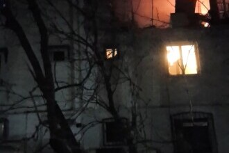 Explozie urmată de incendiu într-un bloc din Găeşti. Ar fi pornit de la o scurgere de gaze