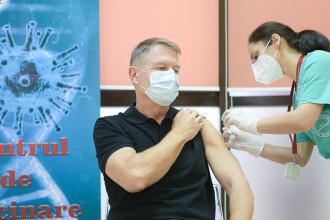 """Președintele Iohannis s-a vaccinat împotriva COVID-19. """"Este o procedură simplă, nu doare"""""""