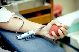 Vaccinurile împotriva Covid-19 disponibile în România în acest moment permit donarea de sânge imediat după vaccinare