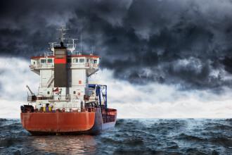 Cel puţin patru morţi în naufragiul unei nave de transport marfă în Marea Neagră