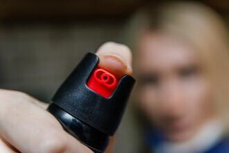 Ce a pățit o tânără din Tulcea după ce i-a dat cu spray iritant în ochi fostului iubit