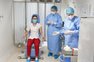 De ce primește România atât de puține doze de vaccin anti COVID-19