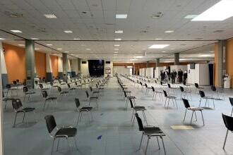 Unele spaţii de birouri din București se transformă în centre de vaccinare