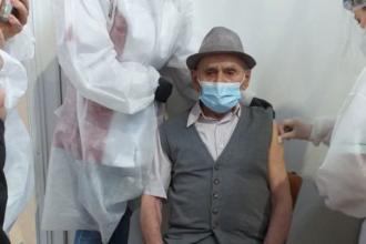 Un bătrân de 105 ani din Cluj s-a vaccinat contra COVID