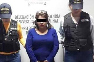 O femeie și-a înjunghiat soțul după ce a găsit fotografii cu el cu o femeie mai tânără în care era chiar ea