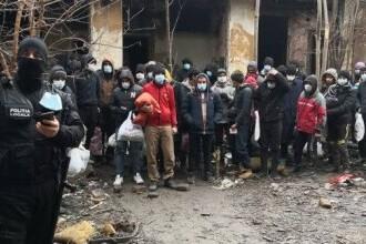 Zeci de migranți s-au ascuns într-o casă părăsită din Timișoara. Au smuls parchetul pentru a face focul