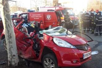 Trei adulţi şi doi copii, răniţi într-un accident produs în Capitală